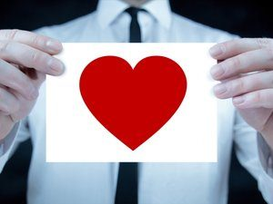 20150720202305-man-with-heart-business-relations
